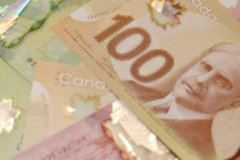 o-canadian-dollars-facebook